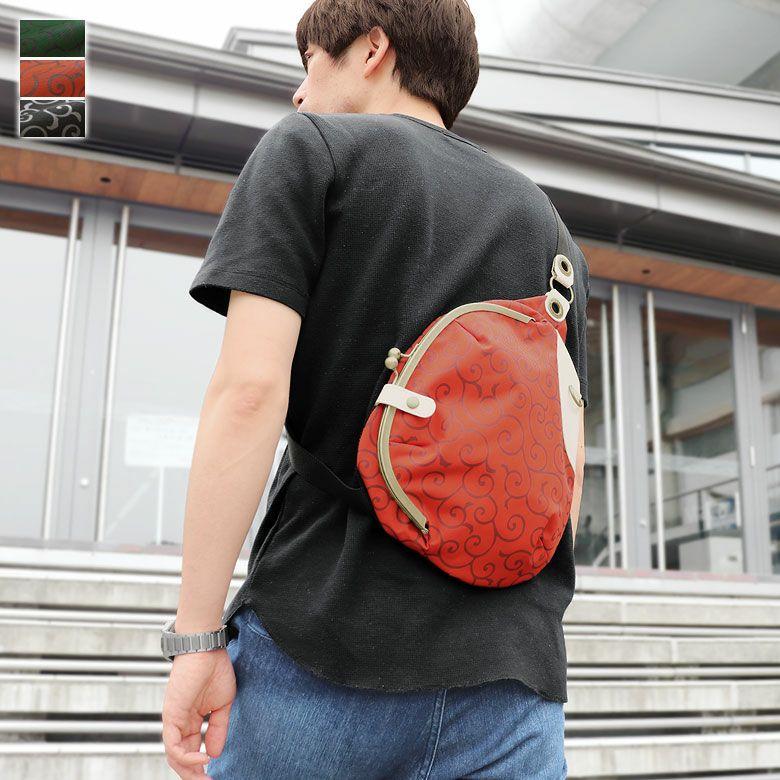 AYANOKOJI 唐草コーデュラ がま口まめボディバッグ メインイメージ
